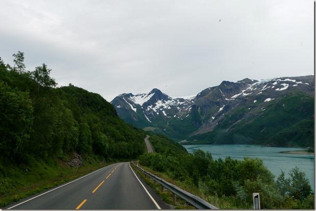 Route 17 glacier Svartisen (2)