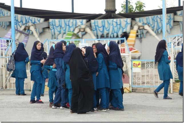 Lahijan - écolières (2)