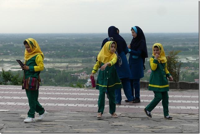 Lahijan - écolières (3)