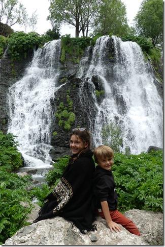 Shaki waterfall (20)