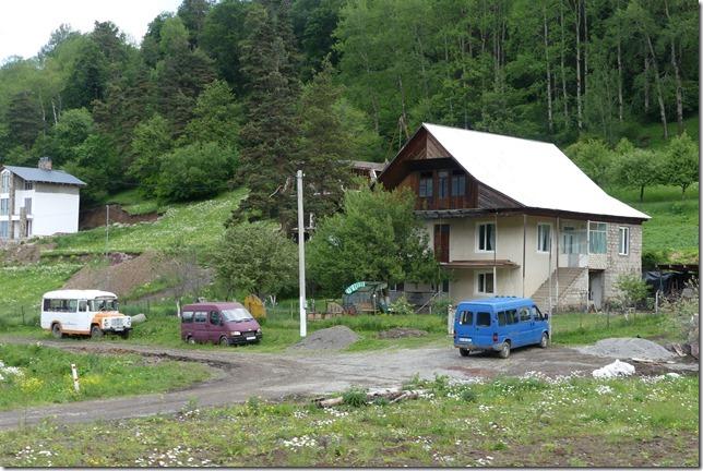Sur la route - piste après Borjomi (1)