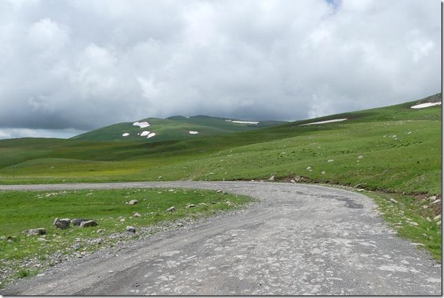 Sur la route - piste après Borjomi (24)