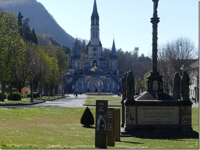 Lourdes (5)