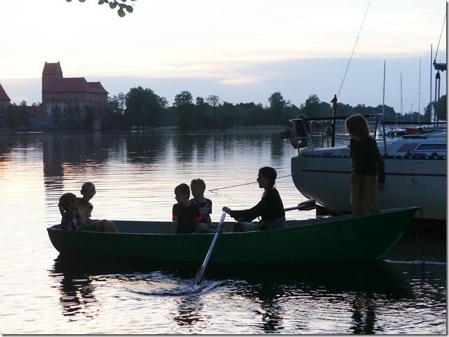 Sur le lac de Trakai (15)