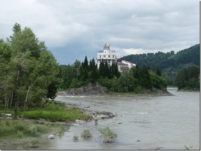 Sur la route - Altaï - Pont suspendu  (8)