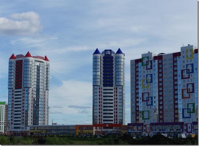 Sur la route - immeubles russes (4)