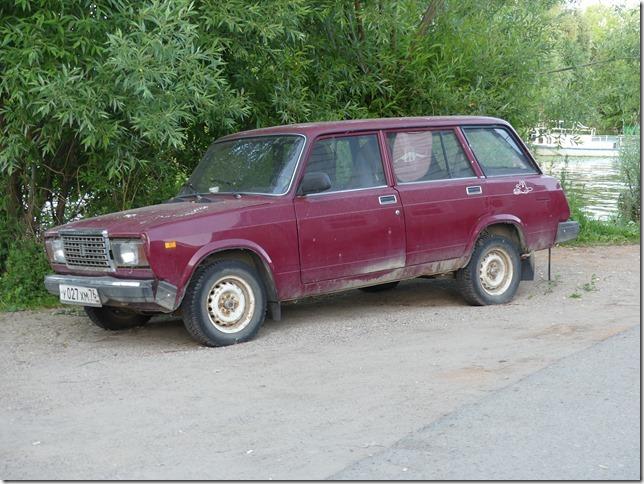 Sur la route- véhicules russes