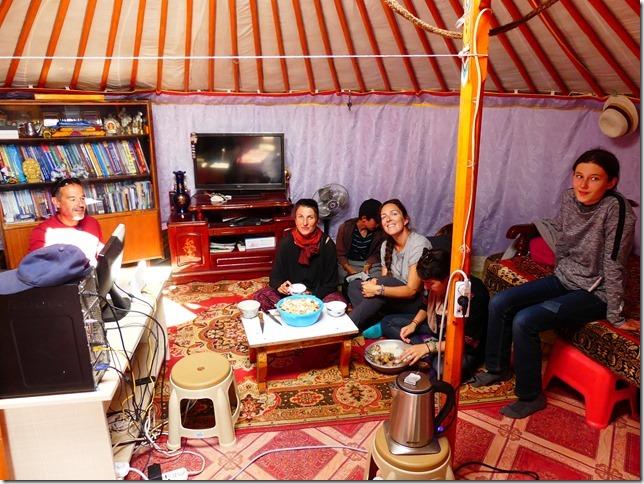 Désert du Gobi - Dalanzadgad - famille de Soyoloo (9)