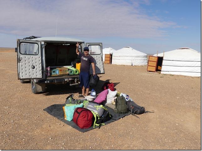 Sur la route du Gobi - bivouac falaises de Tsagaan suvarga  (47)