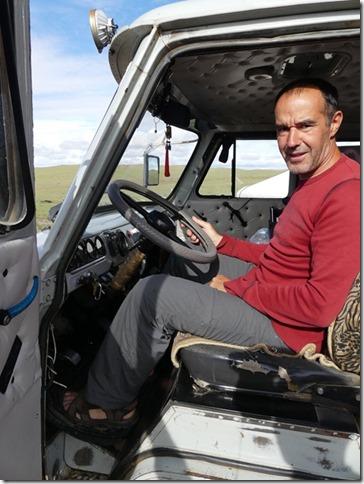 Sur la route du Gobi - Camionnette UAZ (2)