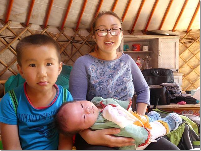 Sur la route du Gobi - chez les éleveurs nomades (113)