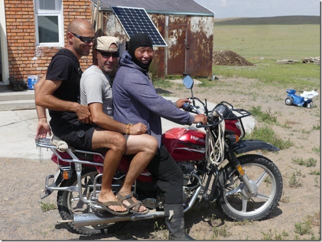 Sur la route du Gobi - chez les éleveurs nomades (153)