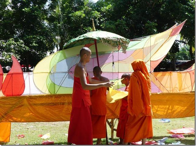 Louang Prabang - bivouac du temple (17)