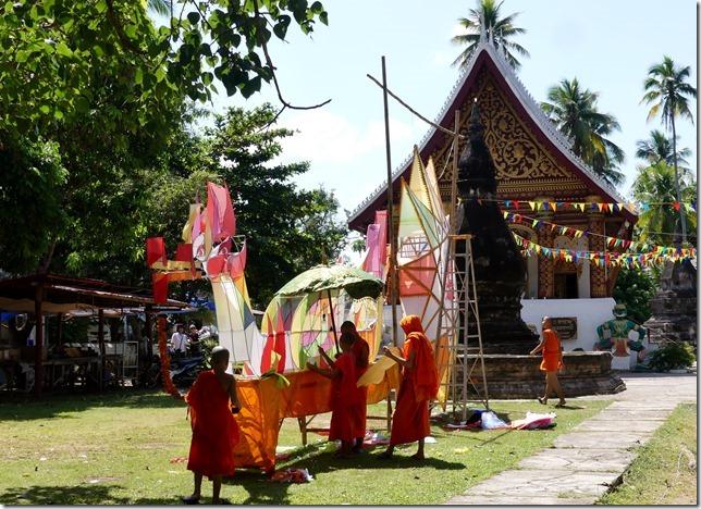 Louang Prabang - bivouac du temple (18)