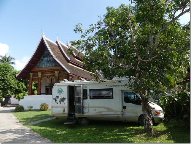 Louang Prabang - bivouac du temple (2)