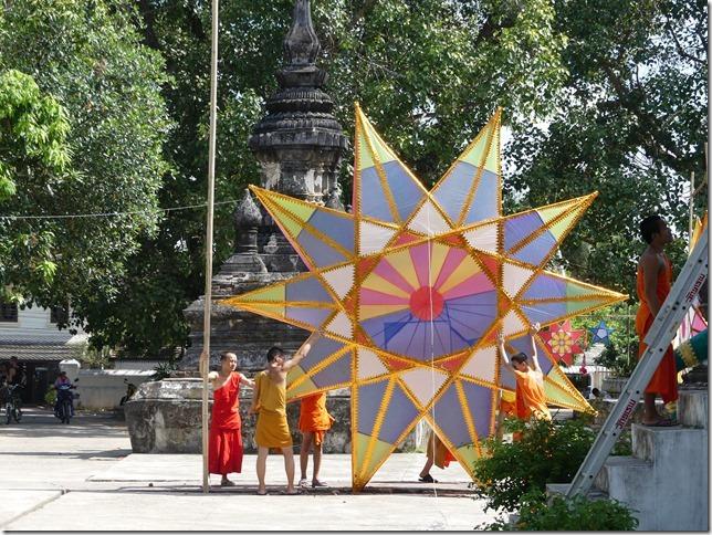 Louang Prabang - bivouac du temple (4)