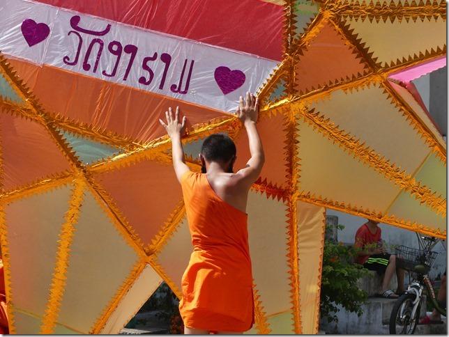 Louang Prabang - bivouac du temple (8)