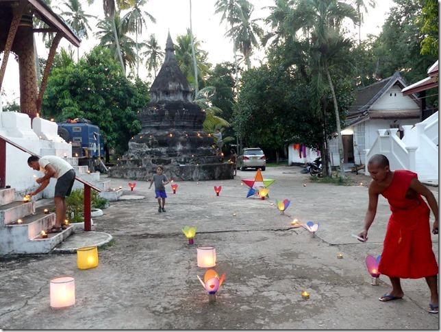 Louang Prabang - fête des lumières (15)