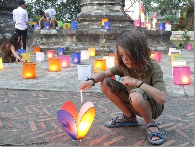 Louang Prabang - fête des lumières (24)