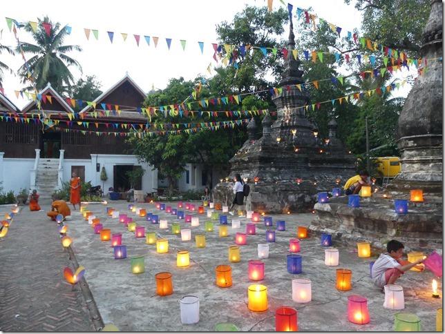 Louang Prabang - fête des lumières (25)