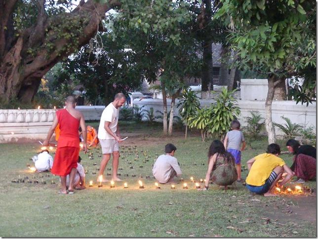 Louang Prabang - fête des lumières (28)