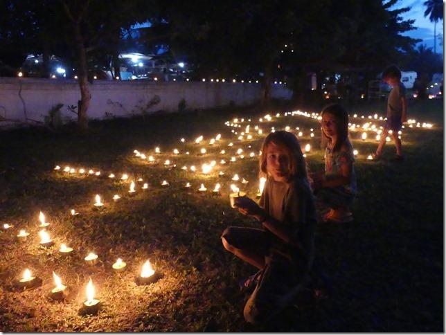 Louang Prabang - fête des lumières (36)