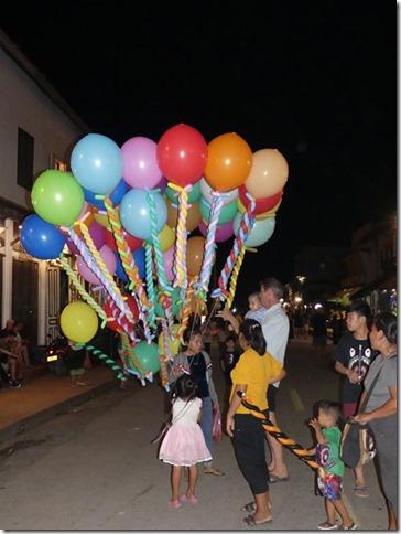 Louang Prabang - fête des lumières (41)