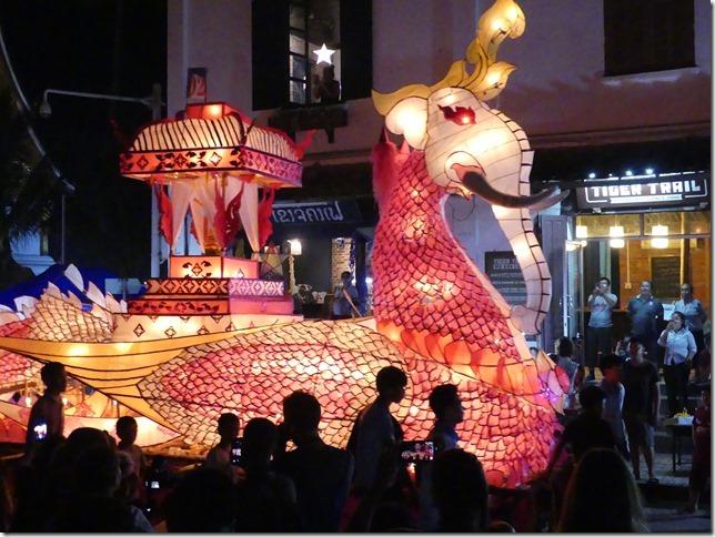 Louang Prabang - fête des lumières (50)