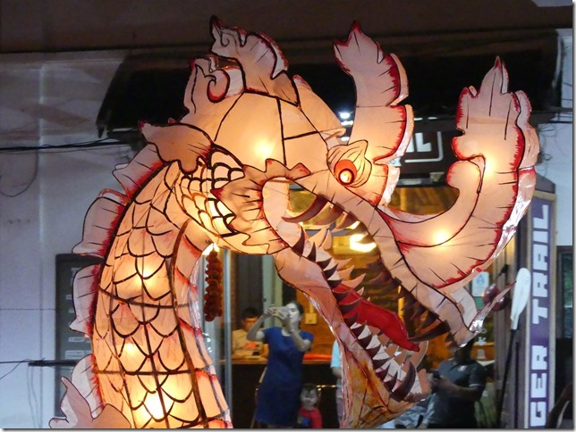Louang Prabang - fête des lumières (59)