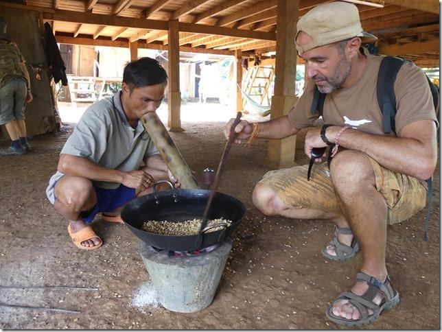 Plateau des Boloven - Kok Phoung Tai, village Katu - Plantation café Captain Hook (31)