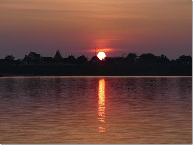 Thakhek - coucher de soleil sur le Mékong (15)