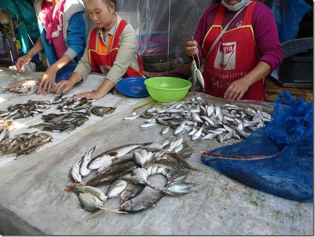 Thakhek - marché (11)