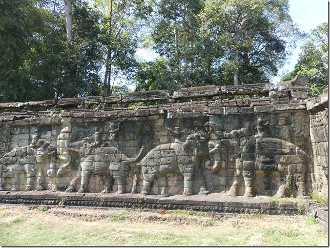 Angkor Tom - Terrasse des éléphants (8)