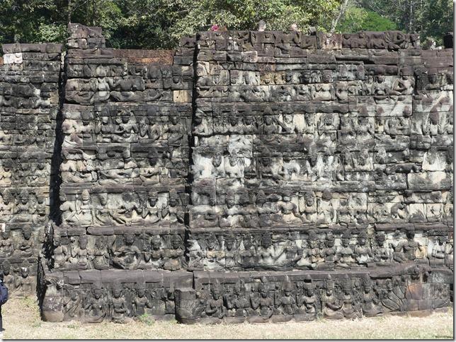 Angkor Tom - Terrasse du roi Lépreux (1)