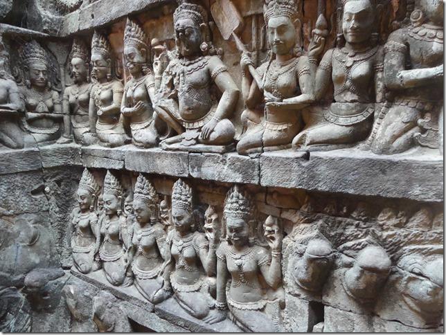 Angkor Tom - Terrasse du roi Lépreux (4)