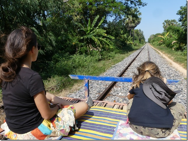 Battambang- bamboo train (33)