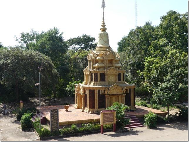 Kompong Cham - Temples aux singes (67)