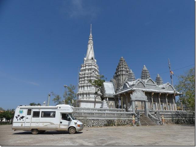 Kompong Cham - Temples aux singes (80)