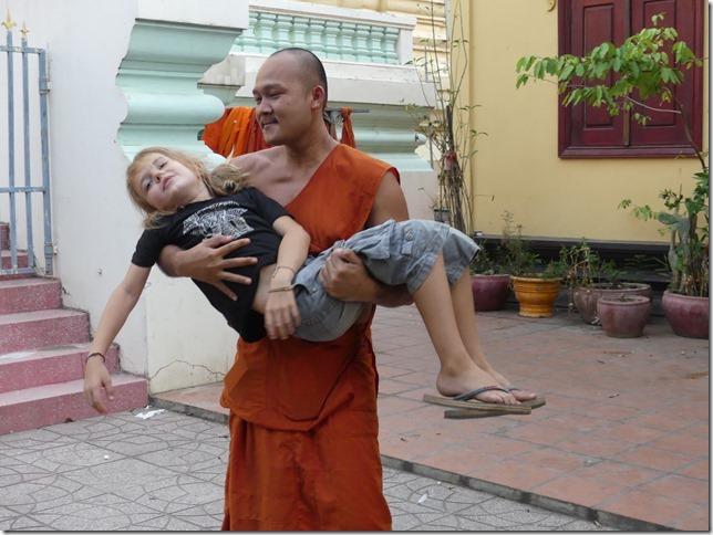 Phnom Penh - bivouac temple (8)