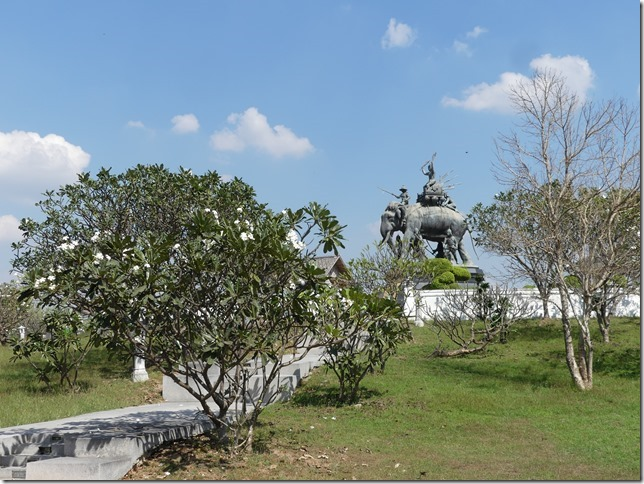 Ayyuthaya - Memorial Queen Suriyothai (11)