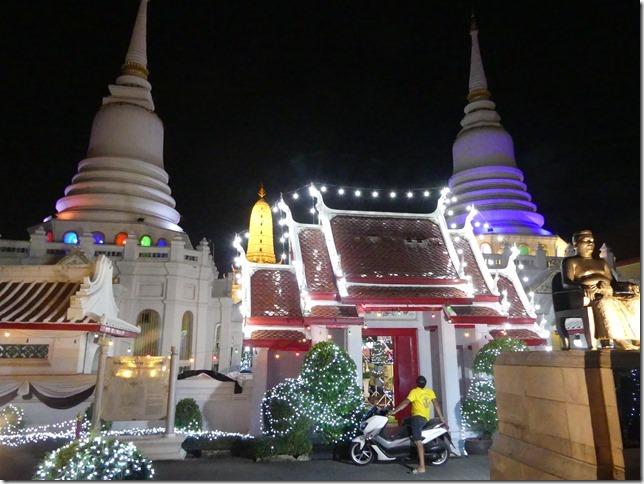Bangkok -bivouac temple (11)