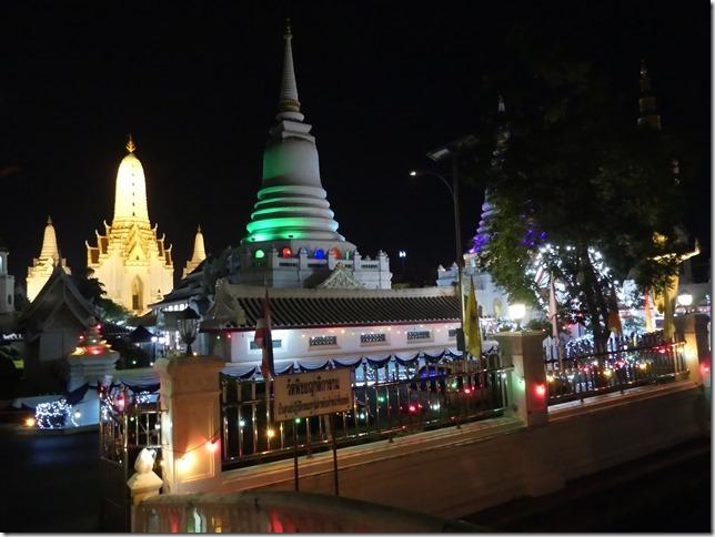 Bangkok -bivouac temple (14)