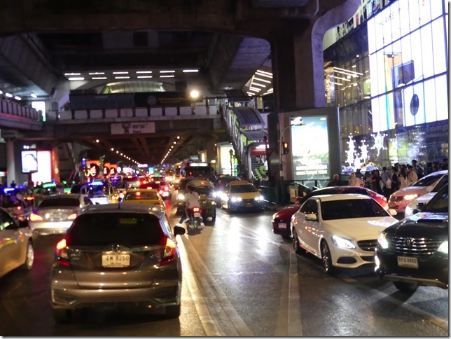 Bangkok by night - circulation (1)
