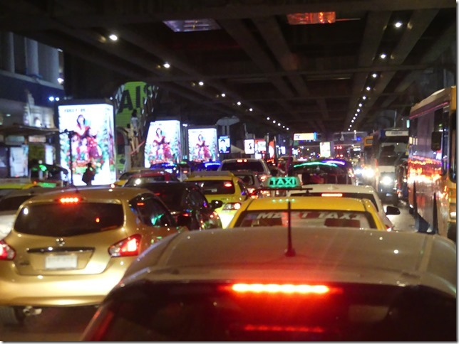 Bangkok by night - circulation (3)