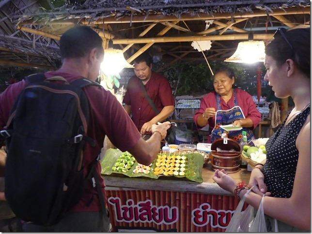 Ayutthaya - night market (12)