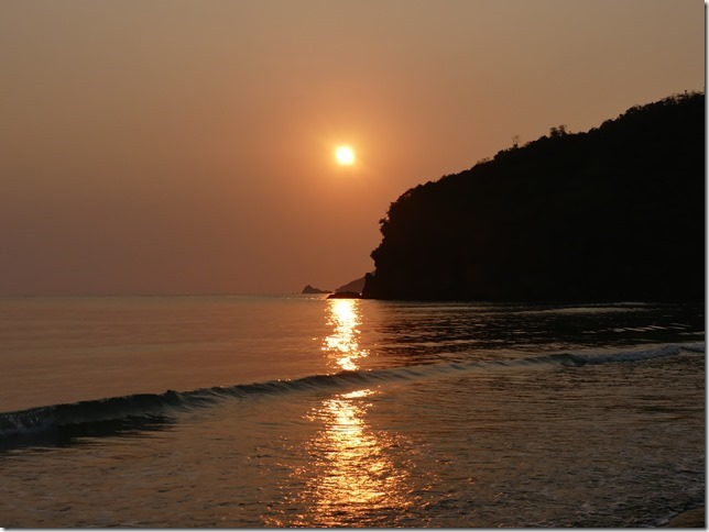 Bivouac plage sud Pran Buri - lever de soleil (13)