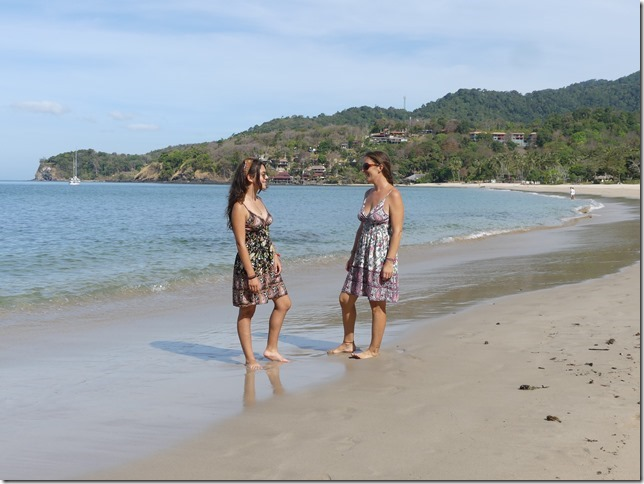 Koh Lanta - Lola et Elodie (2)