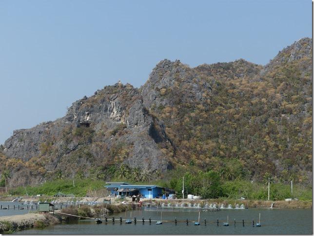 Sur la route - après bivouac plage sud Pran Buri  (2)