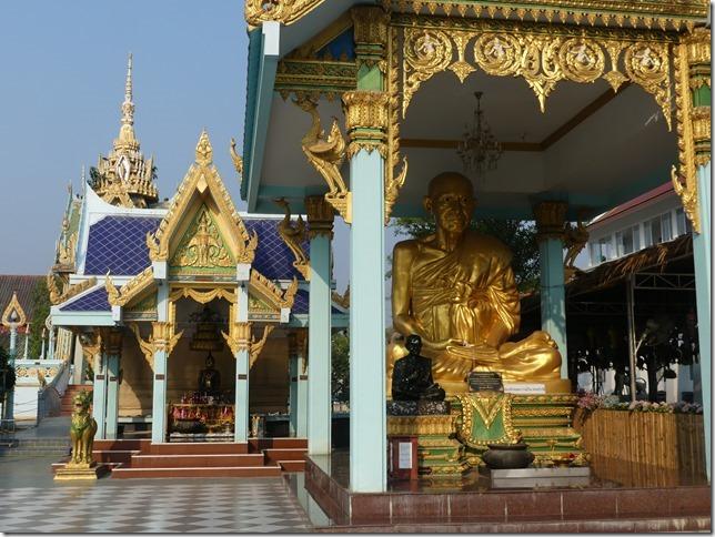 Sur la route - bivouac temple (3)