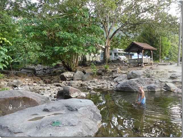 Bivouac parc près de Yan Besar (9)